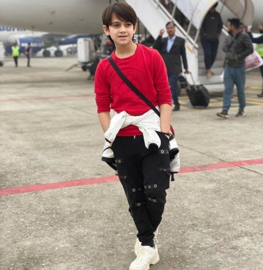 Aayan Zubair Biography, Tv Shows, Movies, Age, Instagram, Height, Family